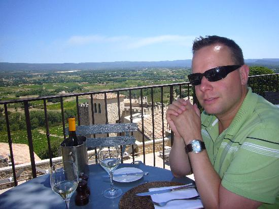 Hotel Crillon le Brave: Lunch on restaurant terrace