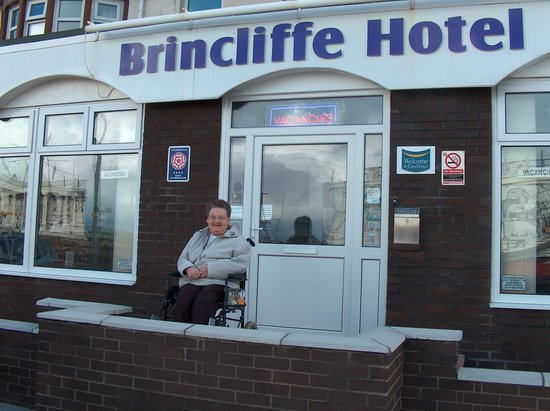 Brincliffe Hotel: My Wife on the easy access ramp at Brincliffe