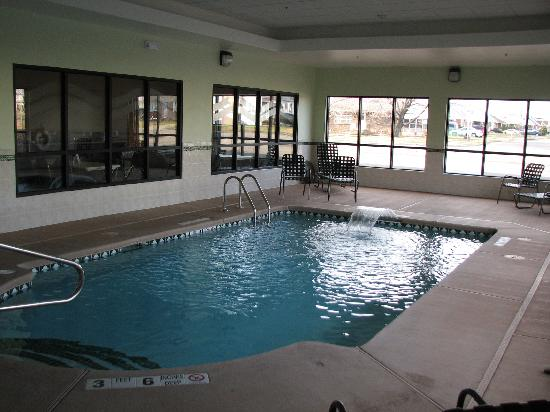 Comfort Inn Cheektowaga: Pool area; Hot spot for children