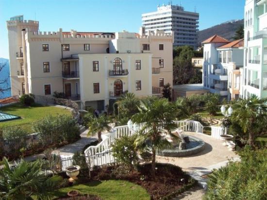 """ออปาติจา, โครเอเชีย: Hotel Miramar Obatija garden and """"Villa Neptun"""""""
