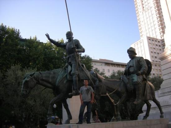 Plaza de Espana: Plaza España , un buen lugar para chupar :)