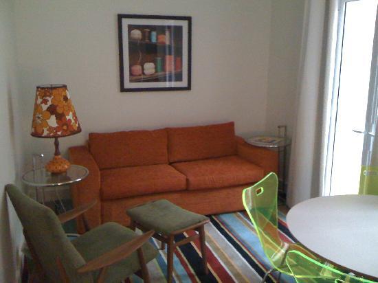 Hotel DeBrett: Debretts 'loft' living area