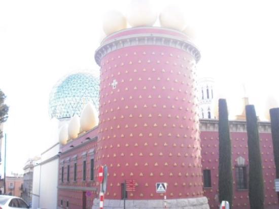 ฟิกเกอร์ส, สเปน: l'exterieur du musée