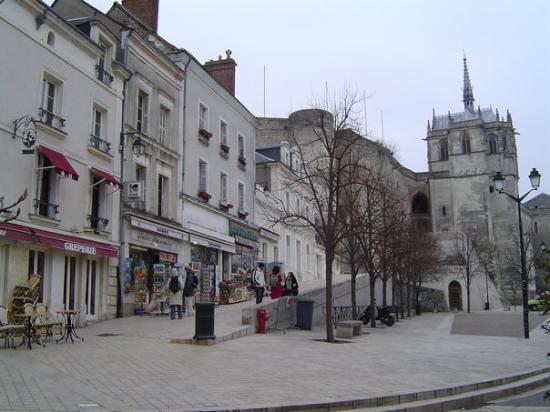 แอมบอยซี, ฝรั่งเศส: Et encore.