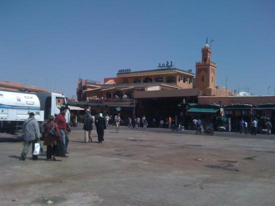 เจมาอา เอล ฟนา: Jemma El Fna (Por la mañana)