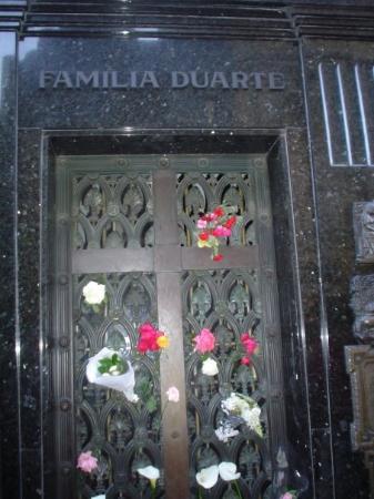 สุสานเรโคเลตา: Tumba de Eva Peron