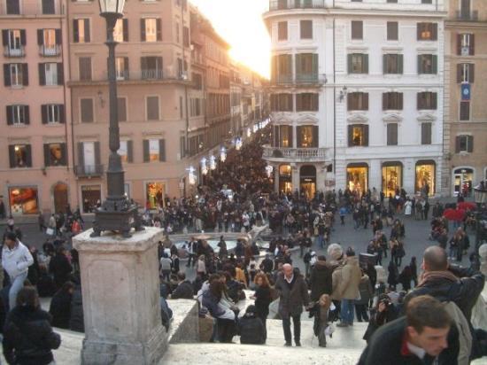 af1c9756d59df Roma. Via Condotti - Foto di Via Condotti