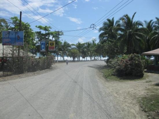 Cahuita, คอสตาริกา: Rastafarian Village in Costa Rica