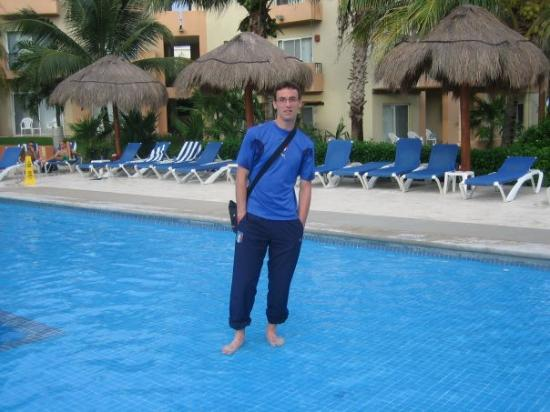 moi dans la piscine picture of playa del carmen riviera maya tripadvisor. Black Bedroom Furniture Sets. Home Design Ideas