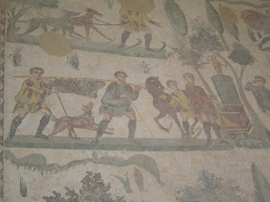 ปีแอซซาอาร์เมรินา, อิตาลี: Piazza Armenrina - Villa del Casale