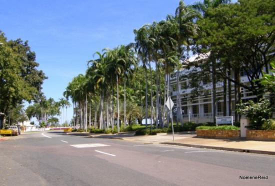 ดาร์วิน, ออสเตรเลีย: The Supreme Court on The Esplanade,  Darwin (Correct me if I am wrong Janet, I think I have it