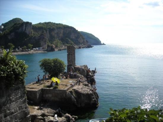 Amasra. Cliff-jumping!