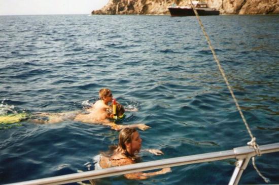 Ustica,a caccia di Ricci di Mare. - Picture of Ustica, Islands of ...