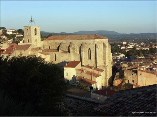 ไฮเยเรส, ฝรั่งเศส: L'église Saint Paul