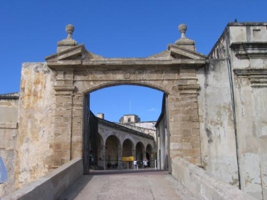 แหล่งประวัติศาสตร์แห่งชาติซานฮวน: Viejo San Juan, Castillo San Felipe del Morro