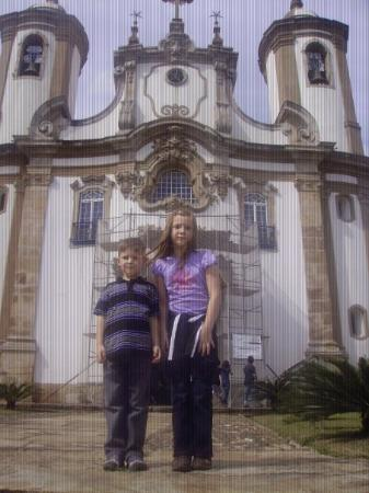 เบโลโอรีซอนตี: Grant and Elise in the historic 300 year old city of Ouro Puerto - Beautiful!