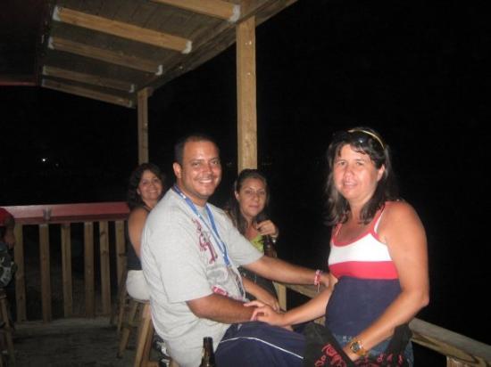 Aguada, Puerto Rico: Tomandonos una cervecita en Aguada