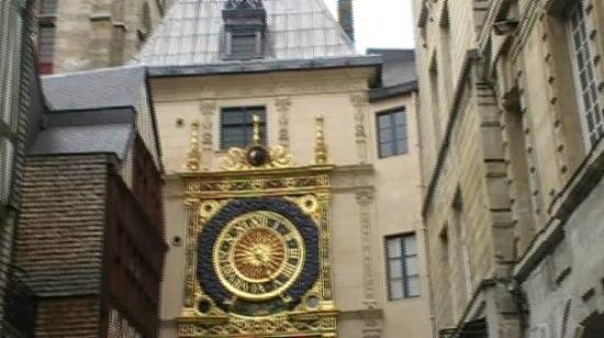 รูออง, ฝรั่งเศส: Gros Horloge à Rouen (76) - Juillet 2009
