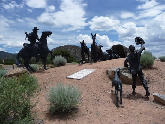 Santa Fé, NM: Monument to American Settlers on the Santa Fe Trail