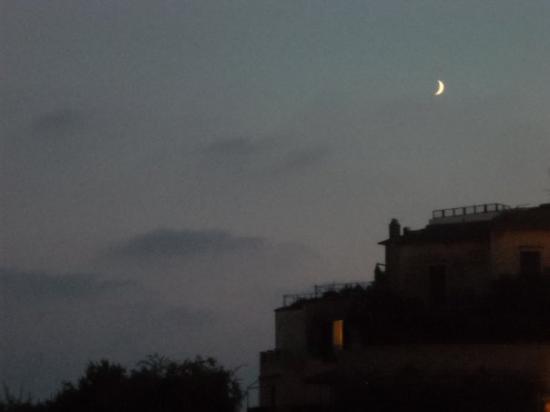 Nettuno, إيطاليا: Nettuno di sera..