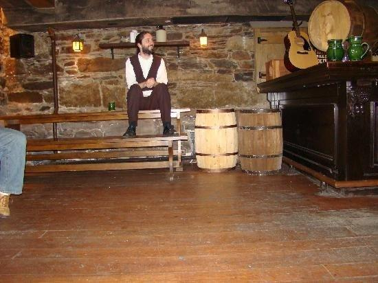 Alexander Keith's Brewery: Tour guide at Alexander Keiths