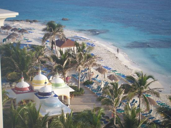 Hotel Riu Cancun: View from our room