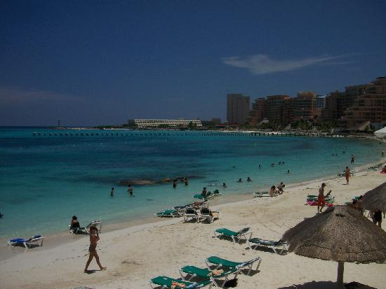 Hotel Riu Cancun: beach