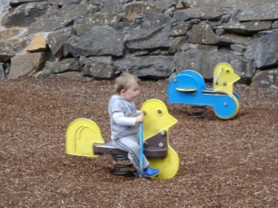ลอนเซสตัน, ออสเตรเลีย: Rhys rocking it up at the playground, Cataract Gorge, Launceston