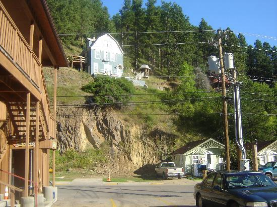 Gold Country Inn: View in front of hotel