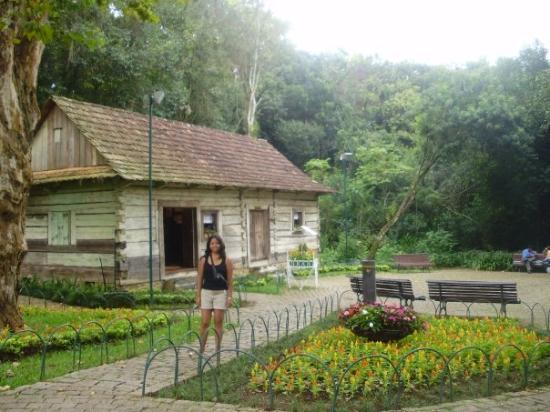 กูรีตีบา: La casa de la pradera... esto es una imagen de mi futuro... (Yo en casa de la pradera con mi fam
