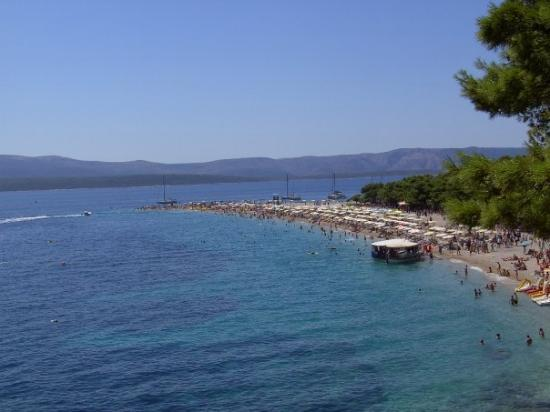 Bol, โครเอเชีย: Trip to the Island of Brac - this is Croatia's most famous beach 'Zlatni Rat' - if you could get