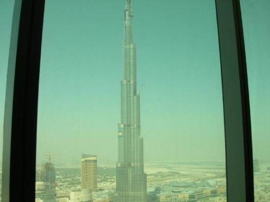 เบิร์จคาลิฟา: Burj Dubai looking outside my window