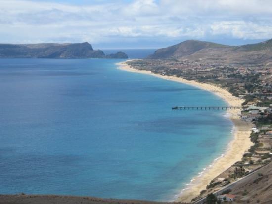 Porto Santo Island, โปรตุเกส: Vista geral dos 7km de praia.