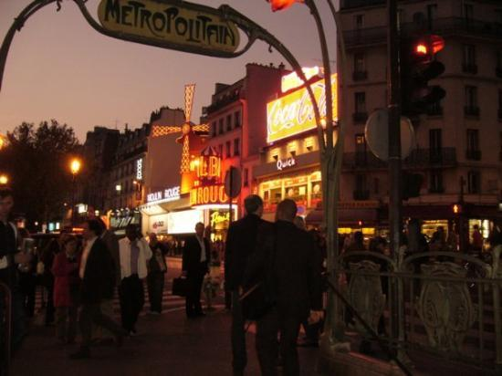 Moulin Rouge: Sex and the city. Beh, anche questa era troppo scontata per non farla.