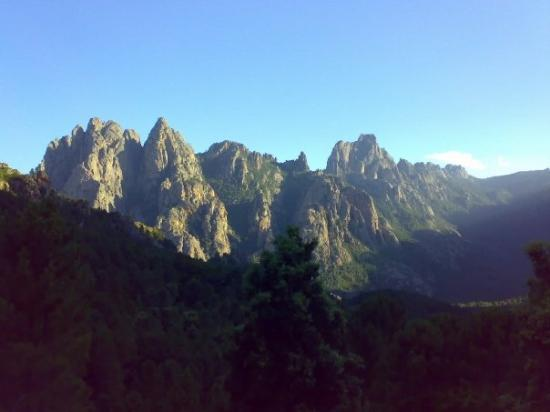 Route de Bavella : Corsica. Les Aguilles de Bavella... arrivare fino e in cima significa toccare il Paradiso.
