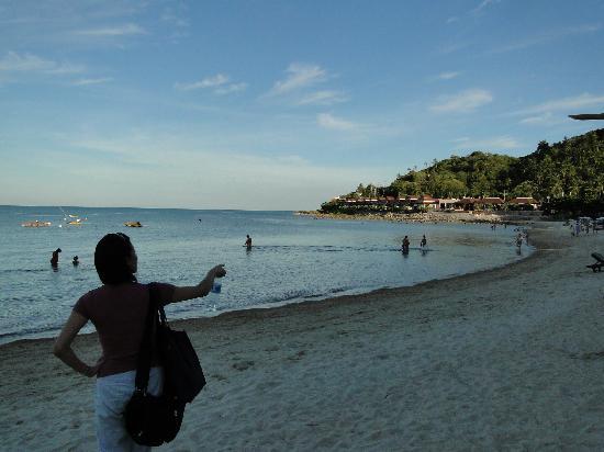 Impiana Resort Chaweng Noi: Right view of beach from resort sunset