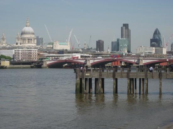 Thames River ภาพถ่าย