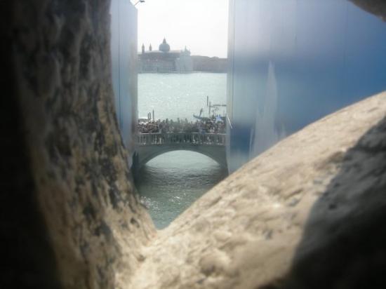 Ponte dei Sospiri: Dentro il Ponto dei Sospiri