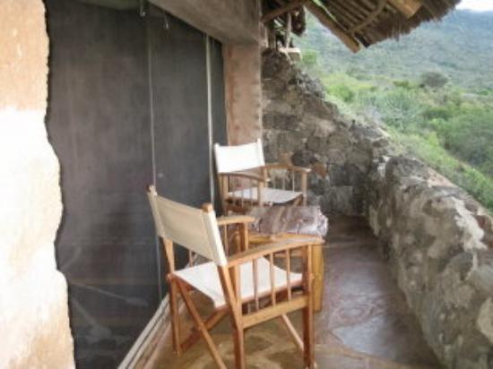 Tsavo National Park West, เคนยา: small veranda in front of self-catering banda