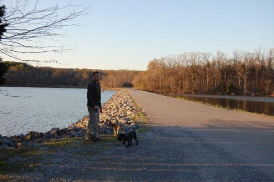 Kuttawa, KY: The dam between Kentucky Lake and Energy Lake