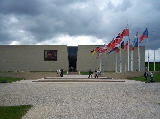 Mémorial de Caen : memorial de caen museo della pace