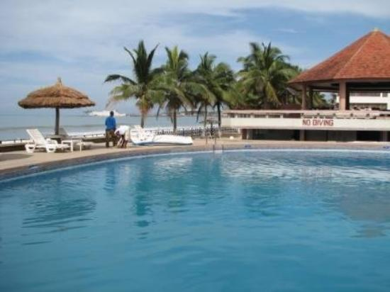 Elmina Beach Resort: Elmina Pool