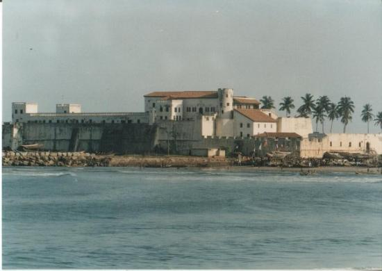 Эльмина, Гана: Elmina Castle was erected by the Portuguese in 1482 as São Jorge da Mina (St. George of the Mine