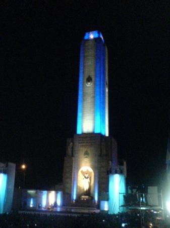 อนุสาวรีย์ธง: el monumento cumpliendo 50!!!