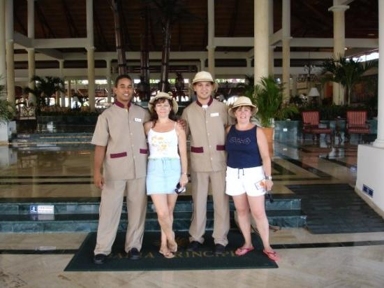 Grand Bahia Principe Punta Cana: entrada del hotel