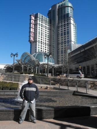 Casino Niagara: ME IN FRONT OF CASINO