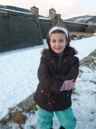 Mi pequeña en la Ciudadela de Jaca (Huesca)