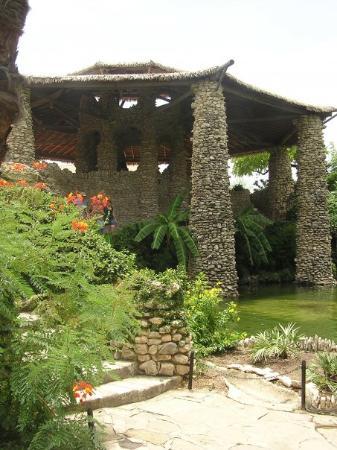Japanese Tea Gardens: Japanese & Sunken Gardens