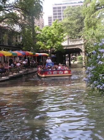 ริเวอร์วอล์ค: Riverwalk Tour Boat