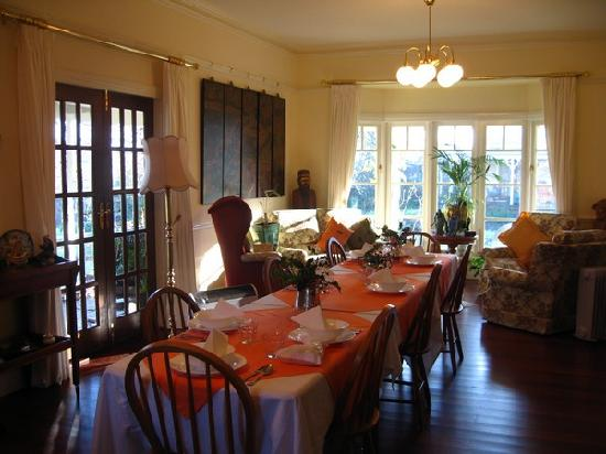 Elm Wood: very comforable dinning room
